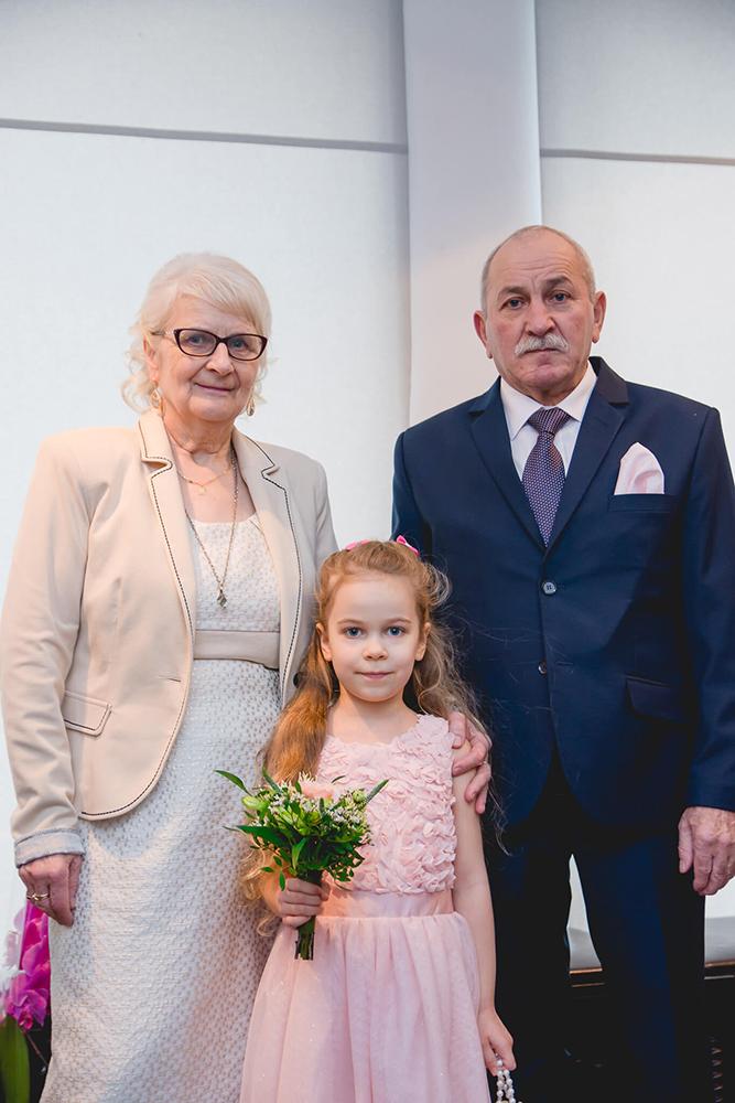 Dziadkowie z wnuczką, USC Szczecin