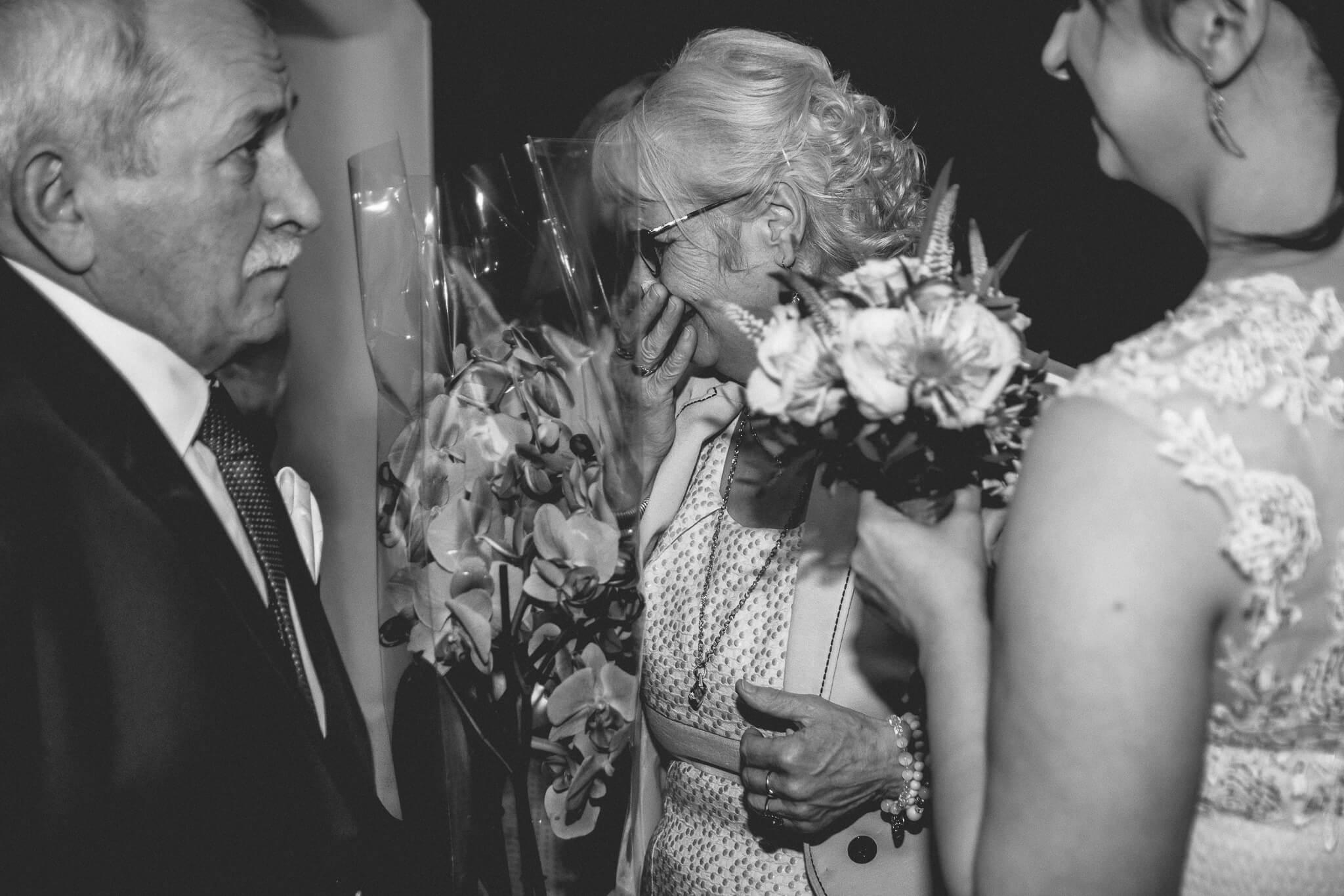 Emocje gości podczas ślubu cywilnego